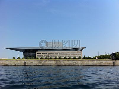 蓝天下的歌剧院图片