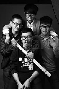 搞笑的四个人图片