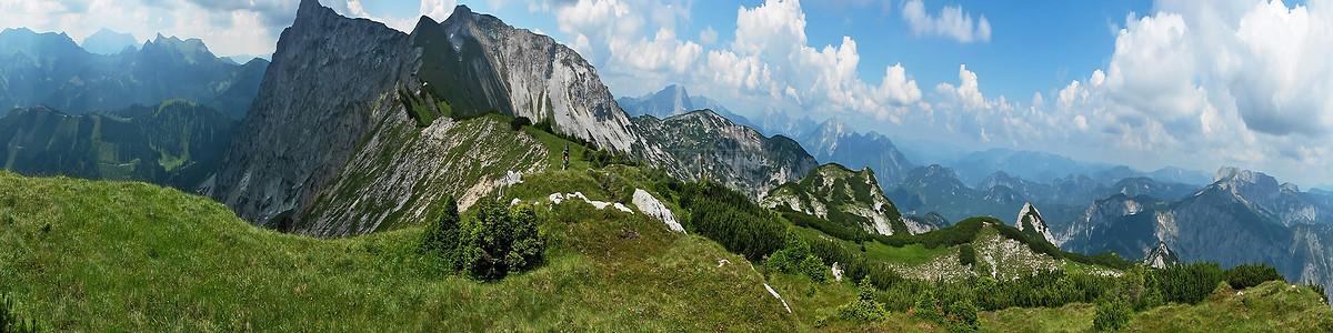 阿尔卑斯山的全景图片