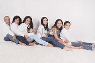 幸福有爱一家人图片