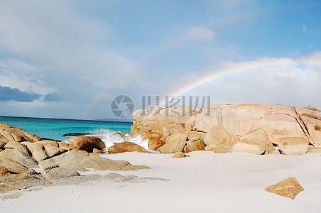 沙滩上的彩虹高清图片