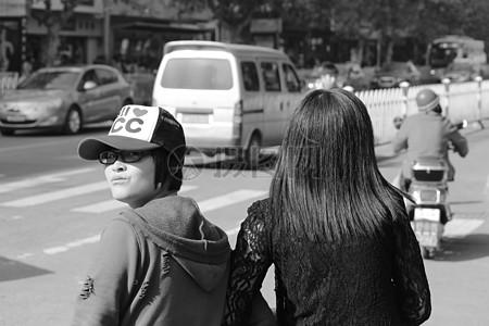 回头的中国女孩图片