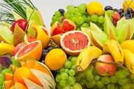 特写镜头前的新鲜水果图片