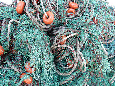 杂乱无章的捕鱼网图片