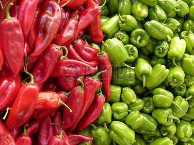 青辣椒和红辣椒图片