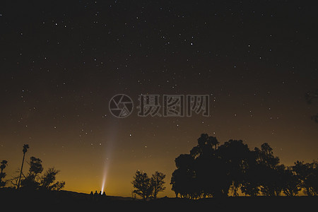 繁星点点的天空图片