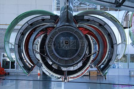 飞机的引擎支持图片