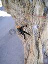 勇敢的攀岩者图片