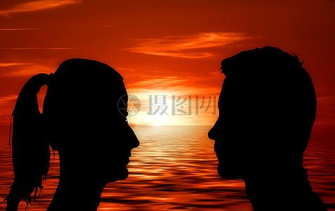 面对面的男人和女人图片