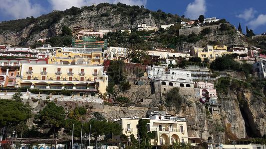 山上的居住处图片