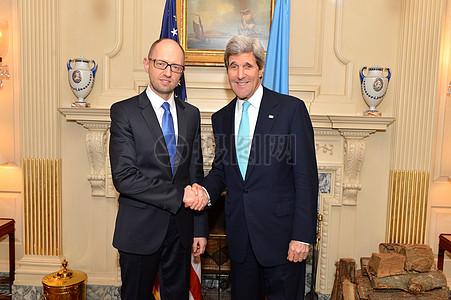 秘书克里会见乌克兰总理采纽克图片