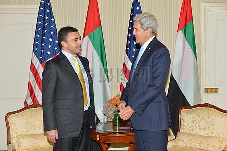 秘书克里会见阿联酋外长本·扎耶德图片