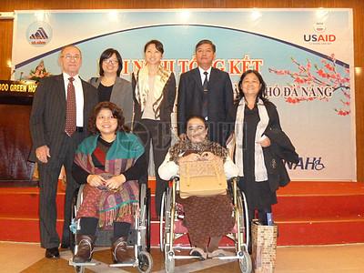 岘港残疾研讨会图片