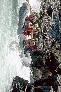 波澜海面上的救生员图片