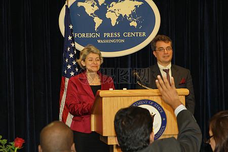 联合国教科文组织总干事博科娃和基利昂呼叫大使对记者图片