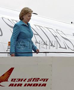 克林顿国务卿抵达新德里图片