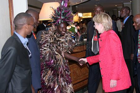 克林顿国务卿抵达肯尼亚内罗毕图片