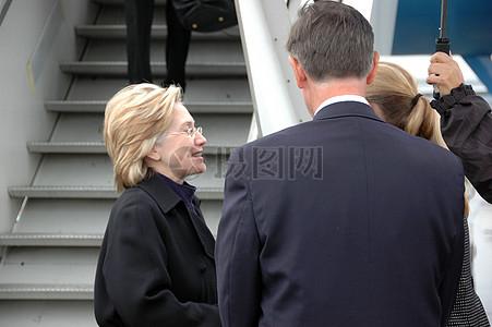 克林顿国务卿抵达苏黎世图片