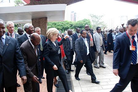 克林顿国务卿访问内罗毕大学图片