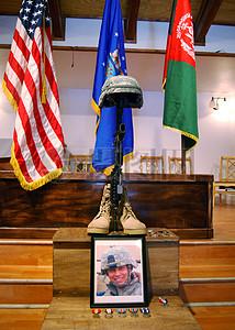国旗下的逝者照片图片