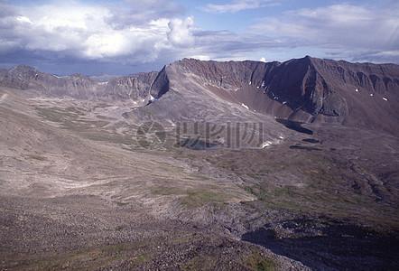 险峻优美的山脉图片