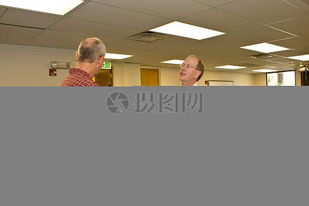濒危物种项目主任助理,加里·弗雷泽,介绍埃德刘海与奖图片