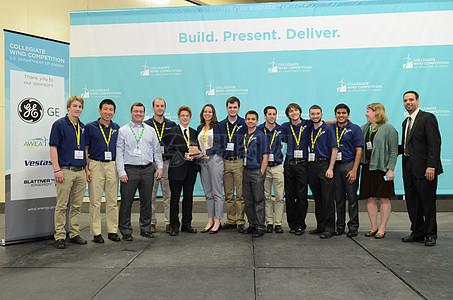 科技展上的团队图片