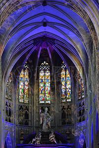 教堂拱顶雕像图片
