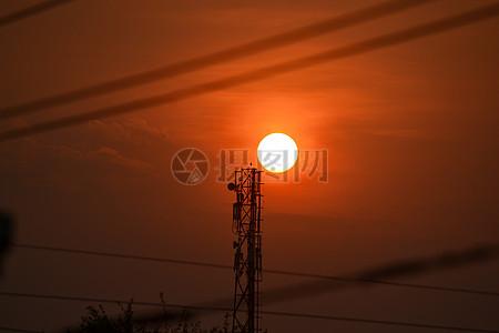 太阳快要下班了图片