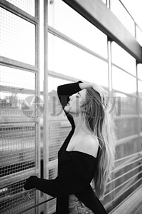 优雅女人的长发图片