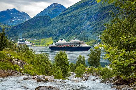 游轮,挪威吉兰格峡湾上的游轮峡湾挪威游客最多的旅游景点之吉兰格峡湾,联合国教科文织的世界遗产图片