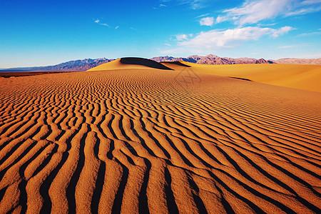 美国加州死亡谷公园的沙丘活珊瑚色调图片