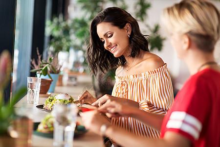 食物人的女朋友餐馆咖啡馆吃饭女朋友餐馆吃饭图片