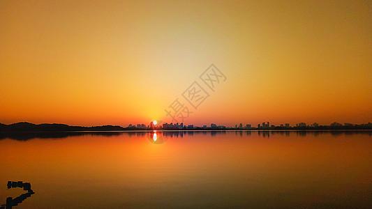 日落下的城市图片