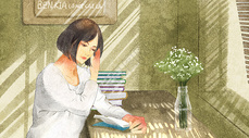 屋中读书的女性图片