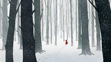 雪中树林女孩图片