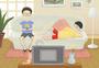 在沙发上看电视图片