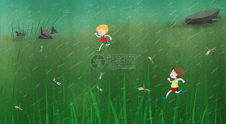草地上追逐的小男孩图片