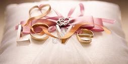LOVE戒指图片