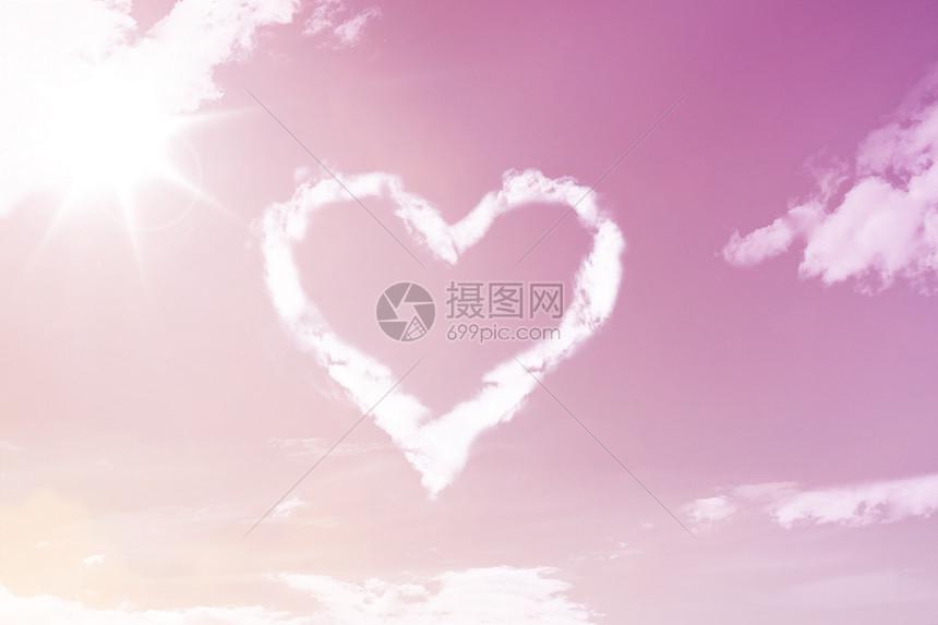 粉色爱心场景图片