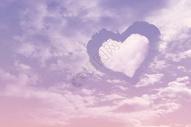 心形粉色云朵图片