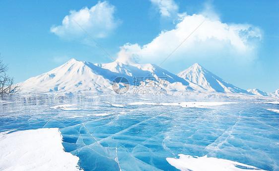 结冰的湖面图片