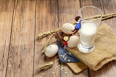 喝牛奶的孩子图片
