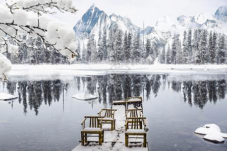 冬天的湖面图片