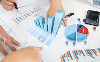 金融投资理财分析图片
