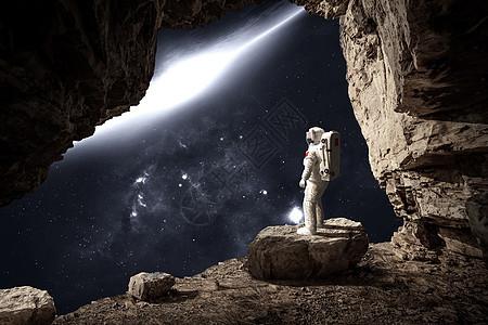 眺望的宇航员图片