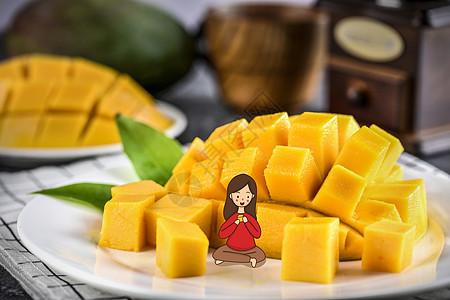 吃芒果的女孩图片
