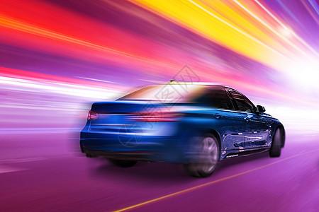 奔驰的汽车图片