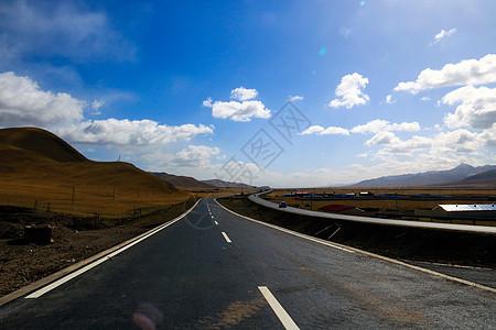 青藏高原的公路图片