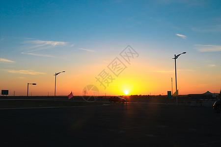 黄昏的公路图片